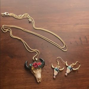 Jewelry - Buffalo skull necklace/earring set